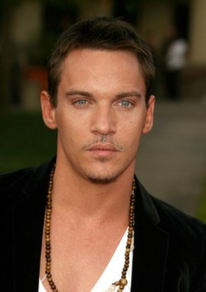 "Jonathan Rhys Meyers In Talks For ""Star Wars"""