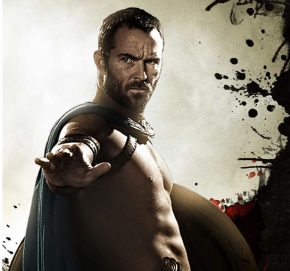 "Sullivan Stapleton Has Had ""Star Wars"" Talks"