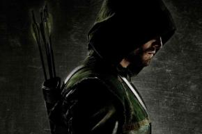 "Stephen Amell Confirms He's Had Talks For ""Justice League"""