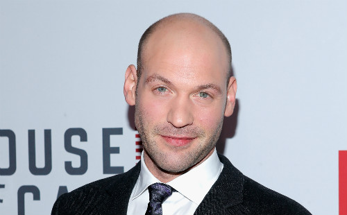 corey-stoll-the-strain-gi