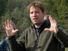 """Godzilla"" Director Confirmed for ""Star Wars""Spin-off"