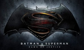 "New ""Batman v Superman"" Shot Shows Clark Kent"